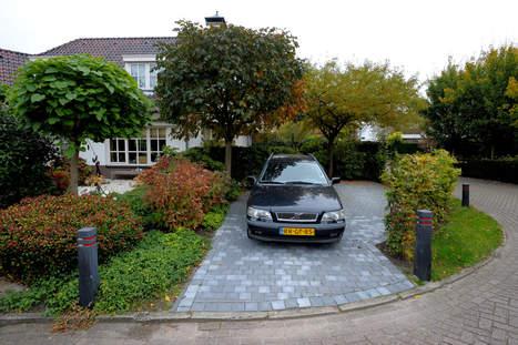 Welten bouwt illegale parkeerplaats aan huis politie for Ontwerp voortuin met parkeerplaats